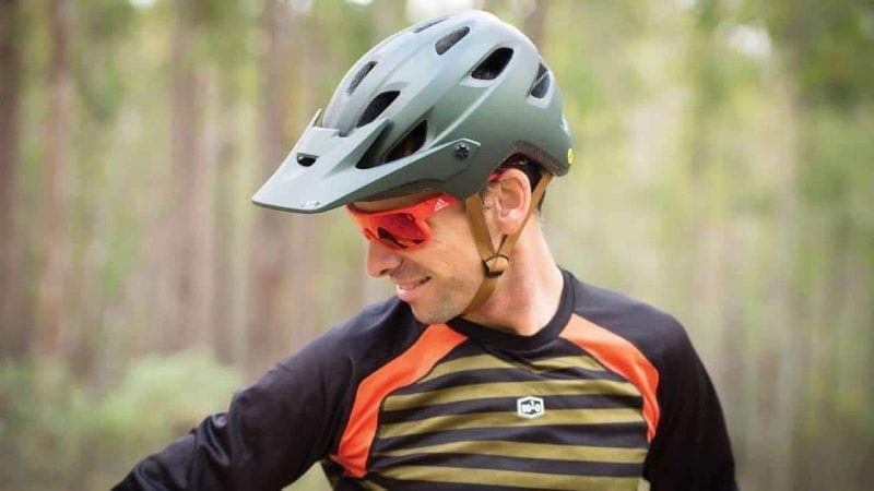 the 10 best road bike helmets in 2019. Black Bedroom Furniture Sets. Home Design Ideas