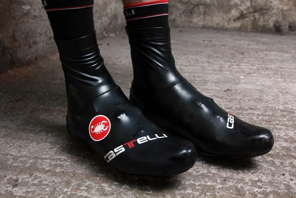 Keep Feet Warm During Winter Cycling
